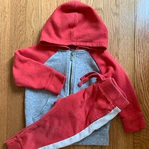 Old Navy outfit set Size: 2T